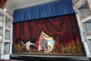 borlas y grecas para telones de teatros